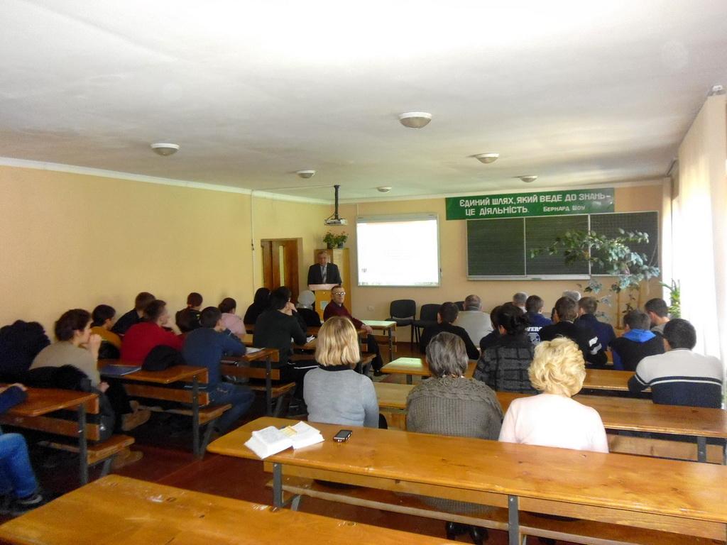Учнівські проекти презентували креативні групи учнів, професій слюсар з ремонту автомобілів, слюсар-електрик та електромонтажник