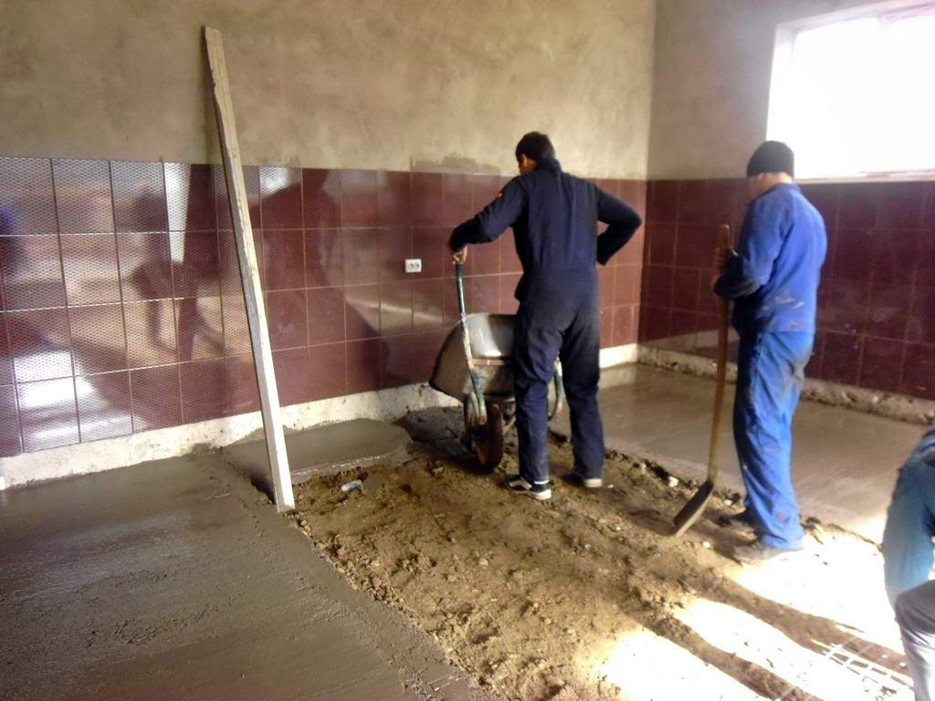 Тривають ремонтні роботи по облаштуванню майбутньої автослюсарної майстерні