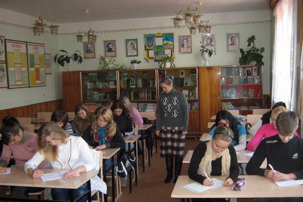 Проведено перший етап XIII Міжнародного конкурсу з української мови імені Петра Яцика