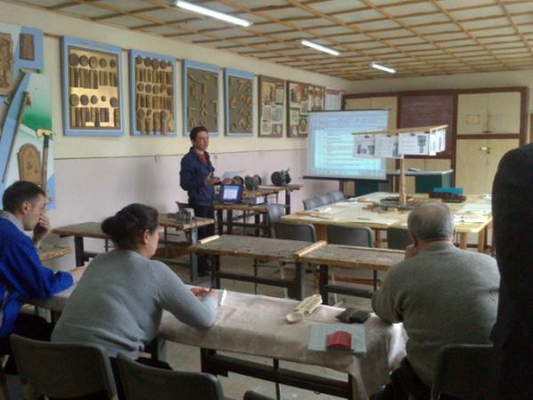 Засідання методичної комісії викладачів та майстрів виробничого навчання народних промислів