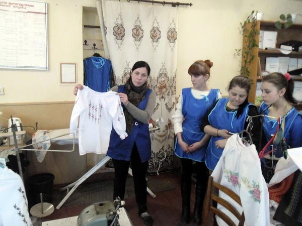 Майстер-клас з пошиття дитячої сорочки з елементами машинної вишивки