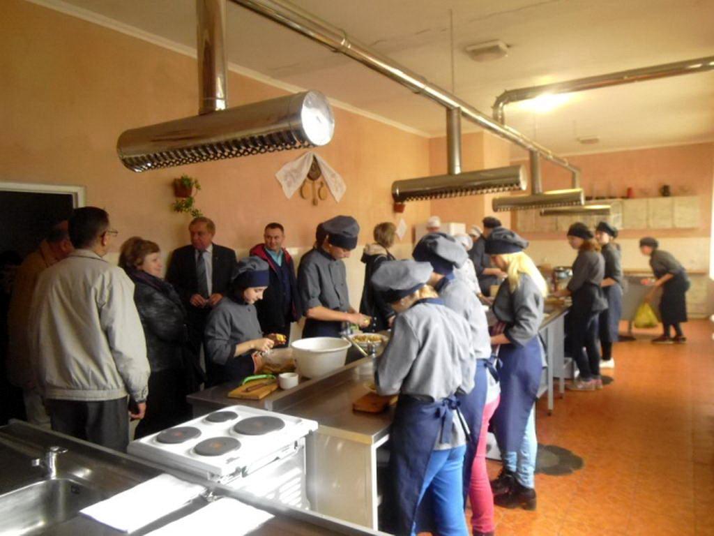 Заключна сесія курсів підвищення кваліфікації складала група старших майстрів із ПТНЗ України