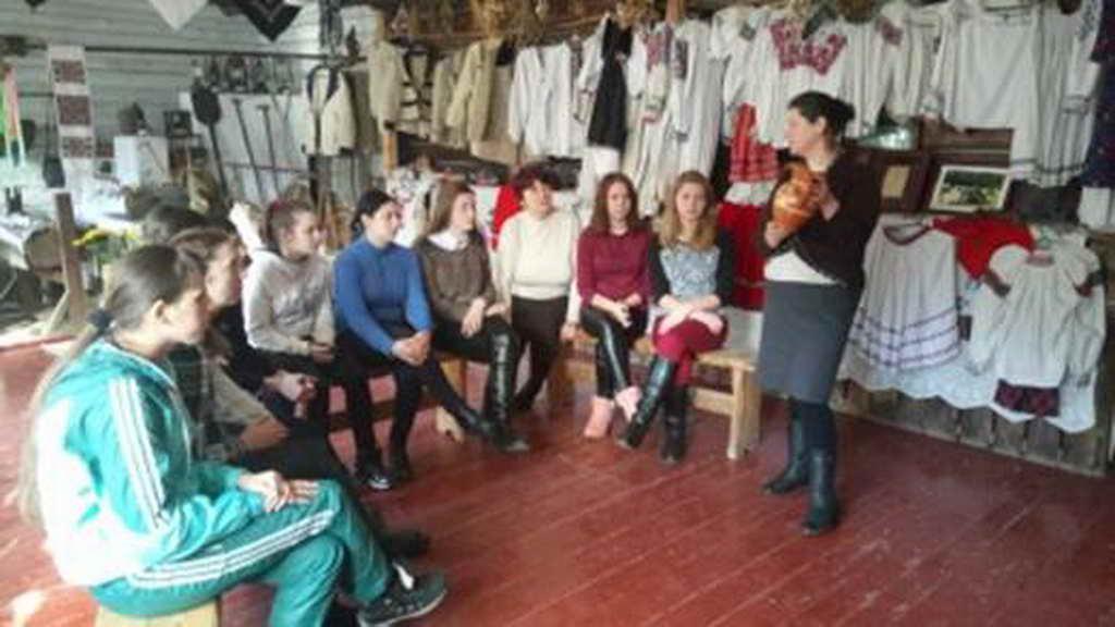 Урок в музеї - гончарство та художня кераміка
