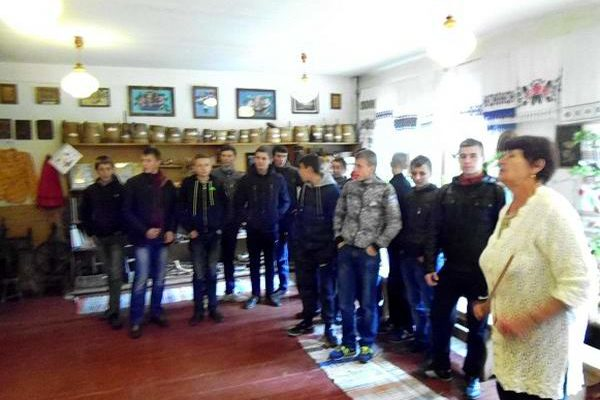 Учні групи №15 ознайомилися з експонатами етнографічного музею