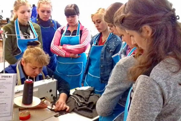 Майстер-клас з професії швачка: виготовлення конічної спідниці на основі прямої з кишенями у бокових швах