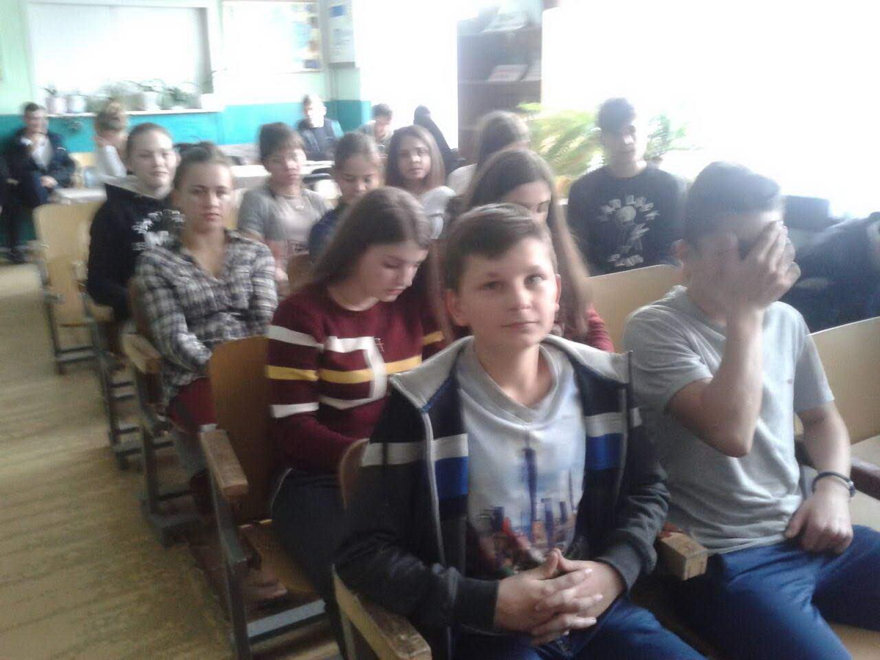 Подорож з Нестором Літописцем - виховна година присвячена Дню української писемності та мови