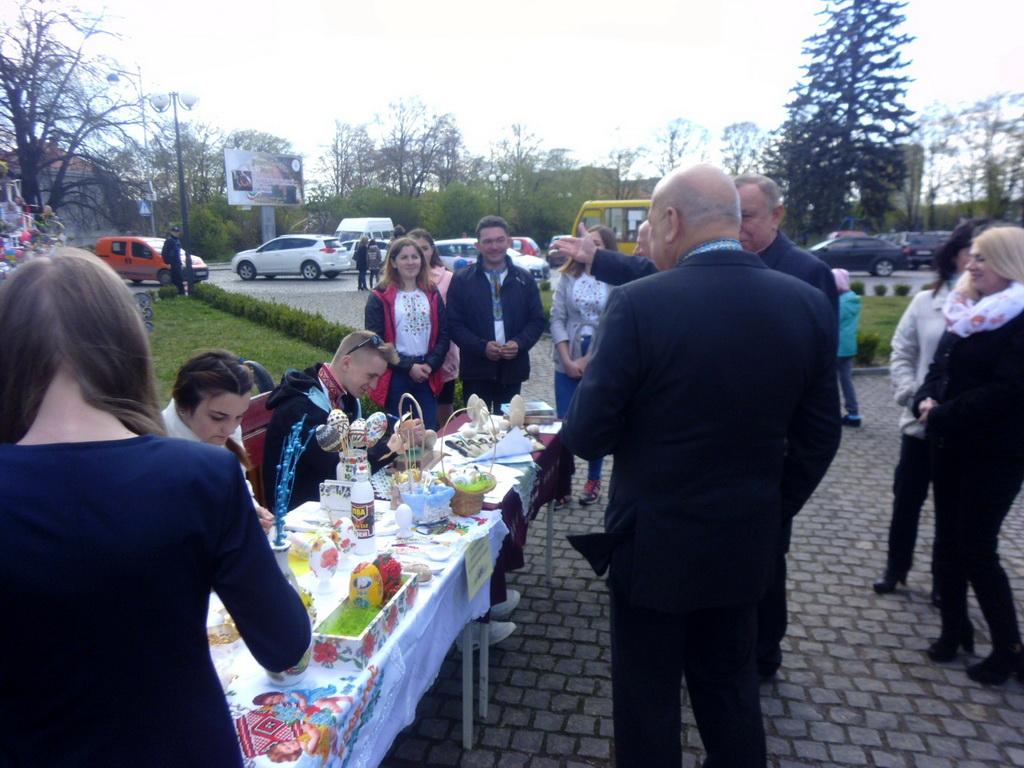 У ліцеї відбувся другий етап конкурсу «Воскресни писанко»
