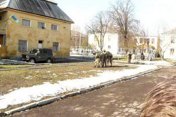 Хлопці випускних груп ліцею відвідали військову частину В4673 в м. Мукачево