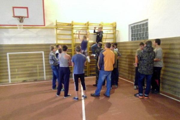 В Міжгірському ліцеї пройшли спортивні змагання приурочені до дня Захисника України