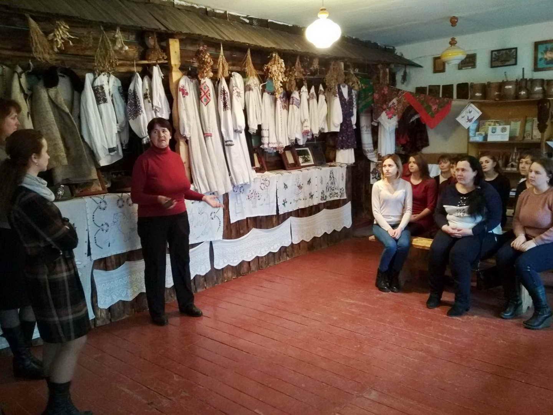 Екскурсія із учнями групи №26 в етнографічному музеї