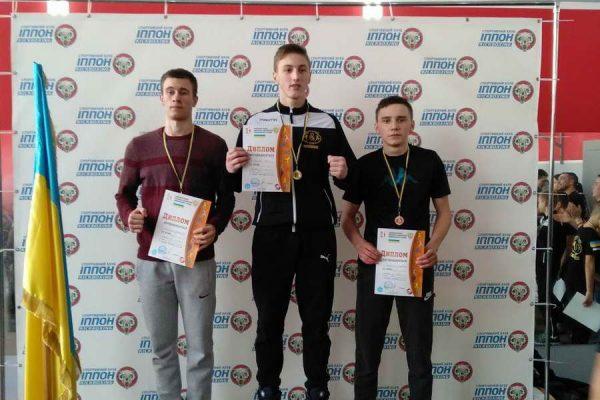 На обласній Спартакіаді серед ПТНЗ та чемпіонаті області з кікбоксингу команди Міжгірського професійного ліцею зайняли призові місця