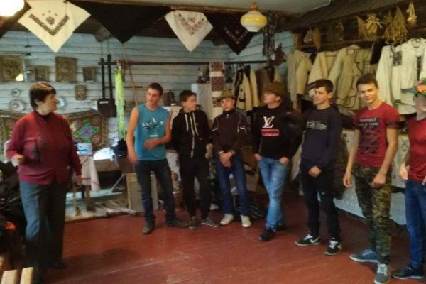 Краєзнавча екскурсія в музеї для учнів групи №23