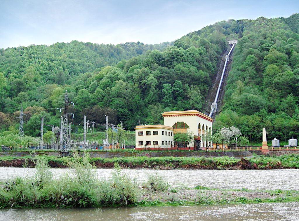 Екскурсія на гідроелектростанції