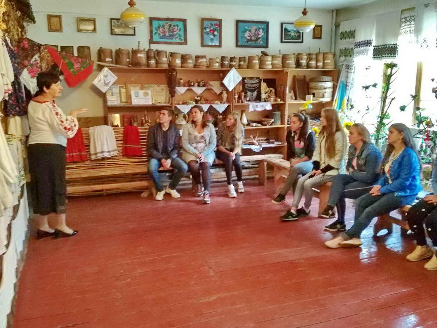 Екскурсія з учнями групи №22 (професія виробник художніх виробів з деревини)